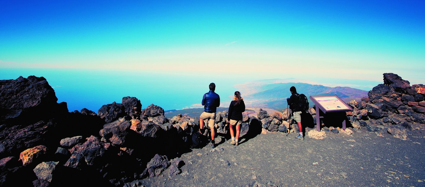 Day 4 - Spain+Canary+Islands+Teide+view+Travellers+Hiking+-+Supplier+2020+SM+RGB - resize.jpg